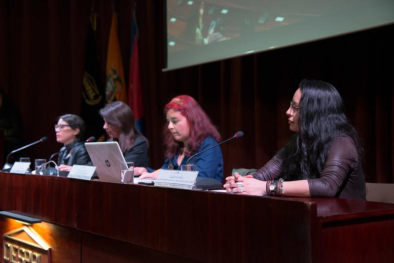 Mujeres y Estado: diagnóstico de su situación