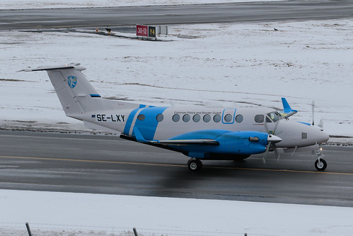 Beech B300 Super King Air 350iER SE-LXY 190311 BMA.