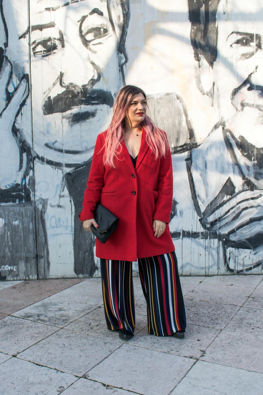 outfit-plussize-curvy-con-tuta-a-righe-e-blazer (8)