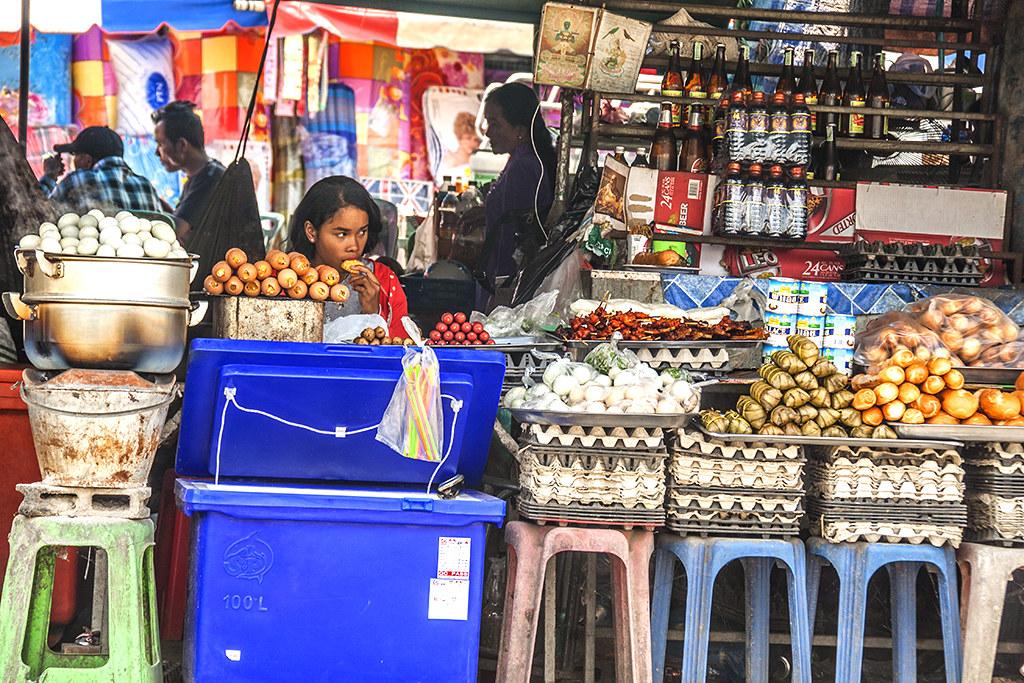 Shop near border crossing--Thep Nimit