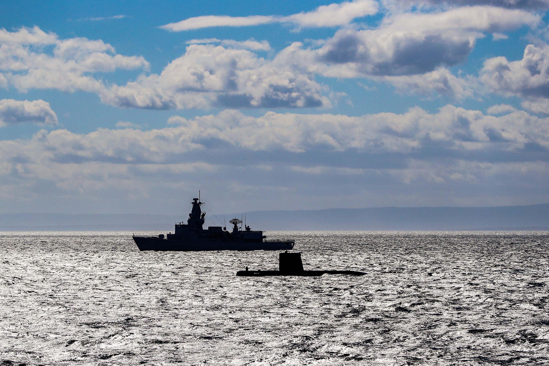 La frégate Louise-Marie part pour l'opération Sea Guardian - Page 3 40631152132_1f67b96c7d_o