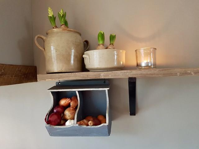 Keukenplank met potten