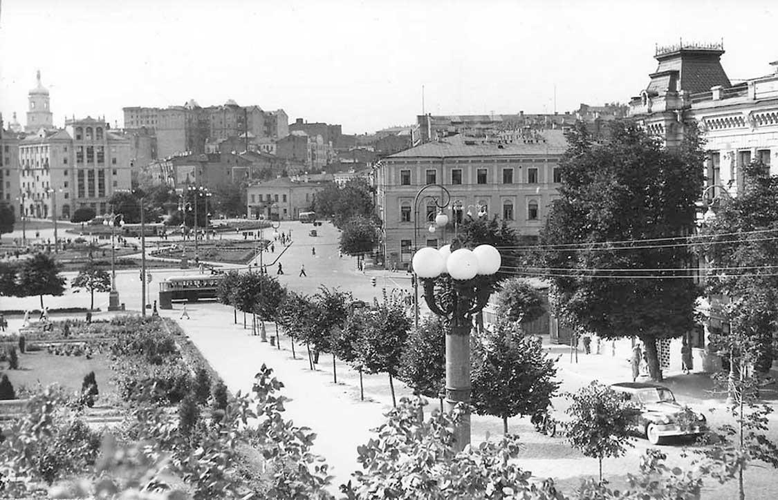 Площадь Калинина (Площадь Независимости), 1955 год