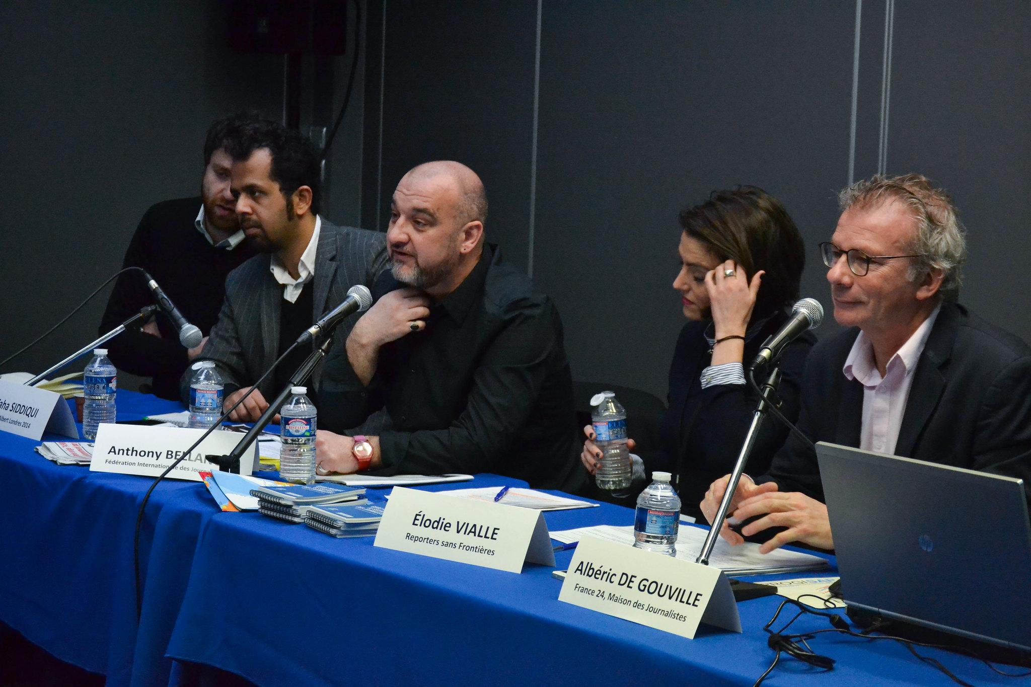 Les professionnels débattent sur la sécurité de l'information et des sources. Photo : Clara Gaillot