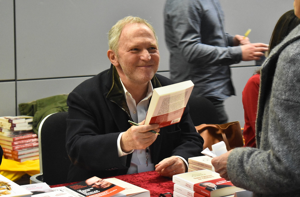 Bernard Guetta a dédicacé et présenté son nouvel ouvrage aux Assises du journalisme.
