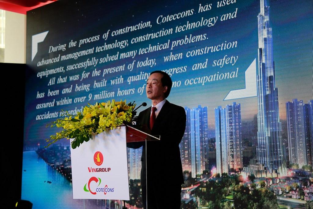 Bộ trưởng bộ xây dựng, ông Phạm Hồng Hà.