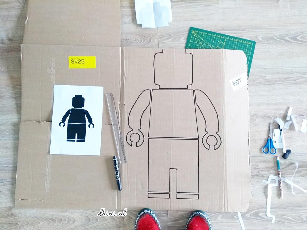 DIY - LEGO minifigure Cardboard