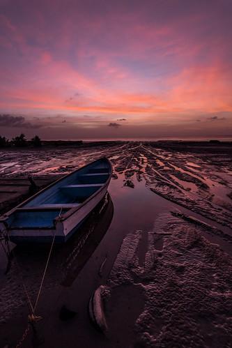 landscape beacheslandscapes seascape beach sea boat tide sunset twilight trinidad trinidadandtobago island nature naturephotography nikon d500 tokina 1116 water sky clouds dark caribbean
