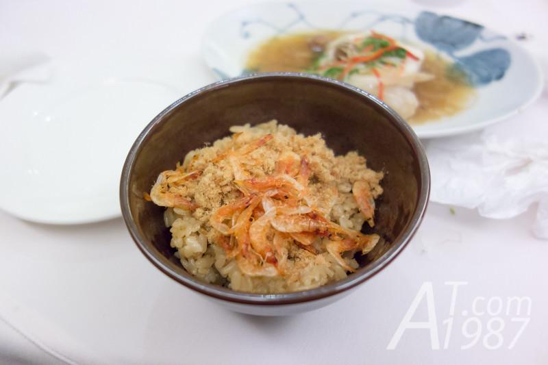 Dapeng Bay Restaurant - Yinghua Xia Chaofan