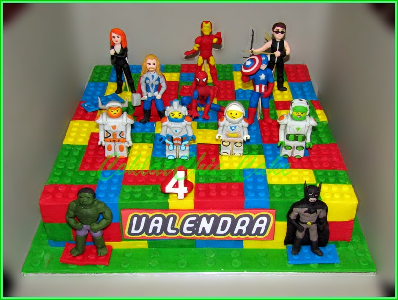 Cake Lego Avengers & Nexo Knights VALENDRA 35 cm