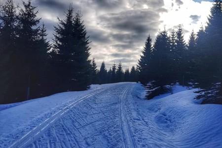 Úbytek sněhu na horách zpomalí mrazivý víkend