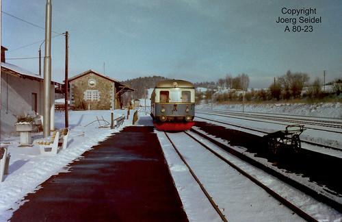 DE-94239 Gotteszell Bahnhof Regentalbahn Triebwagen VT 04 im Januar 1979