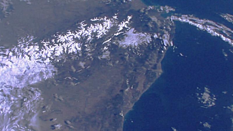 Observation de la Terre depuis l'espace - Page 11 40861745072_03e36825de_c