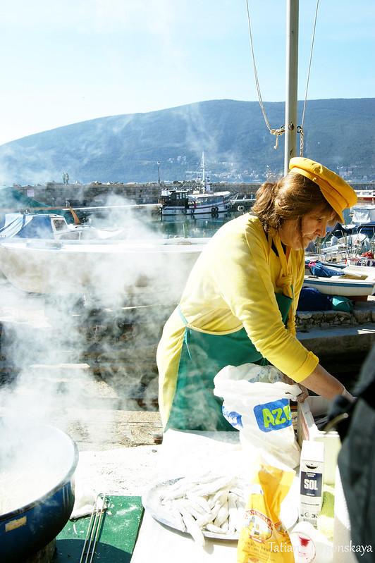 Приготовление рыбы в Шквере