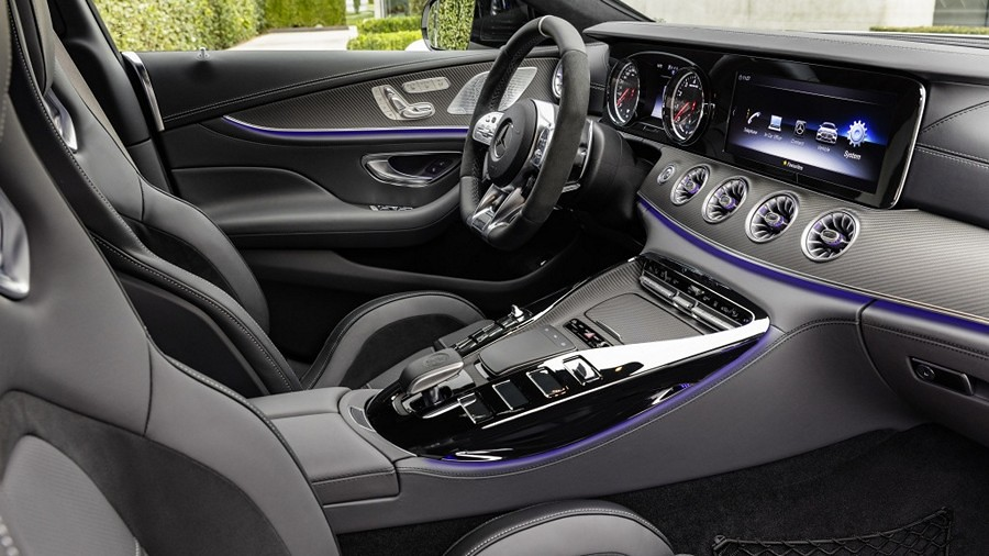 Mercedes-AMG GT 4 2