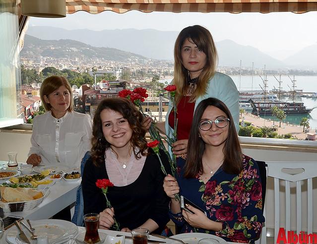AGC 8 MArt Dünya kadın Emekçiler Günü kahvaltı -3