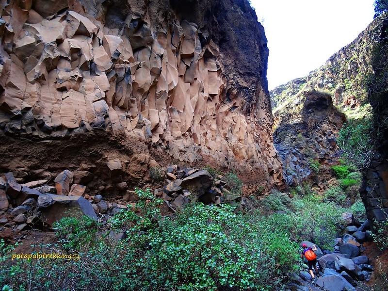 25 Derrumbe de rocas afiladas