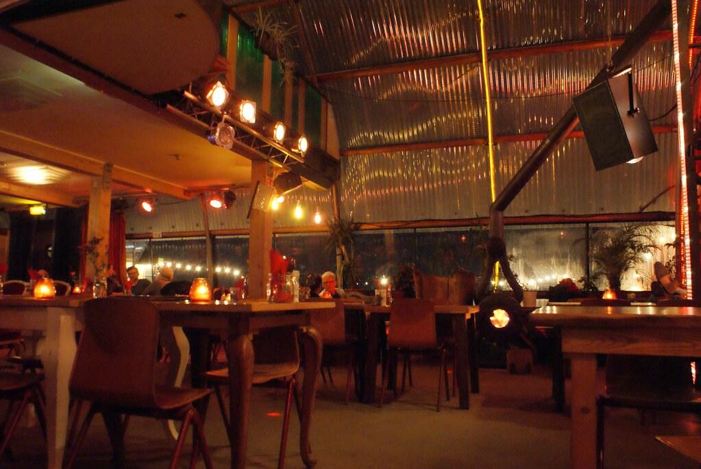 A l'intérieur du Noorderlicht à Amsterdam. La photo est un nulle.