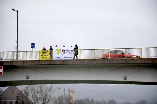 Action Nucléaire au Pont de Schengen - 10mars2018 - 7ansFukushima