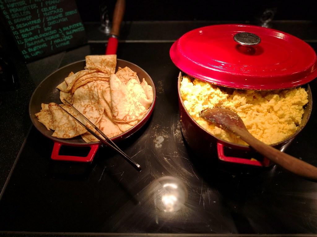 Crepes and scrambled eggs