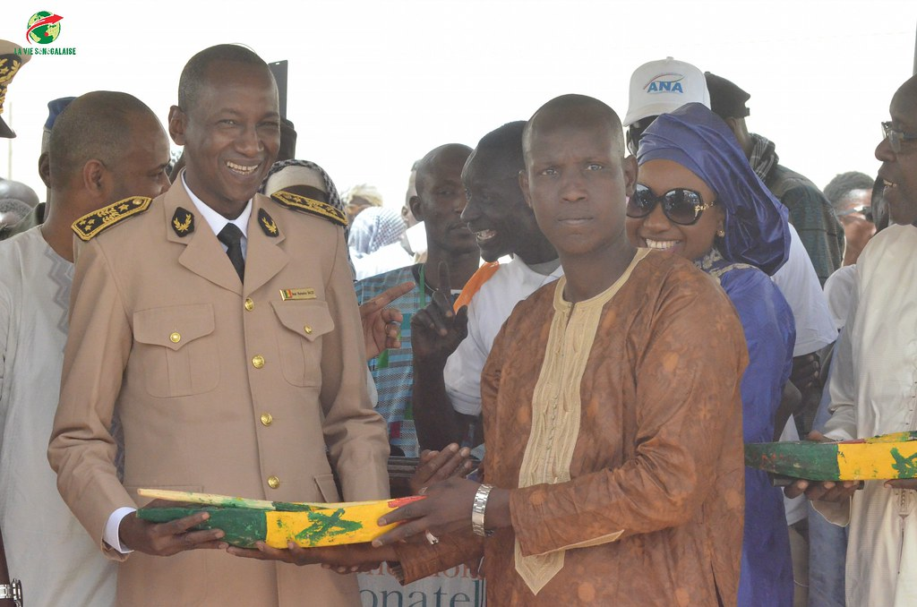 Inauguration d'infrastructures  de base à Mbakhna Par la Fondation SONATEL (91)