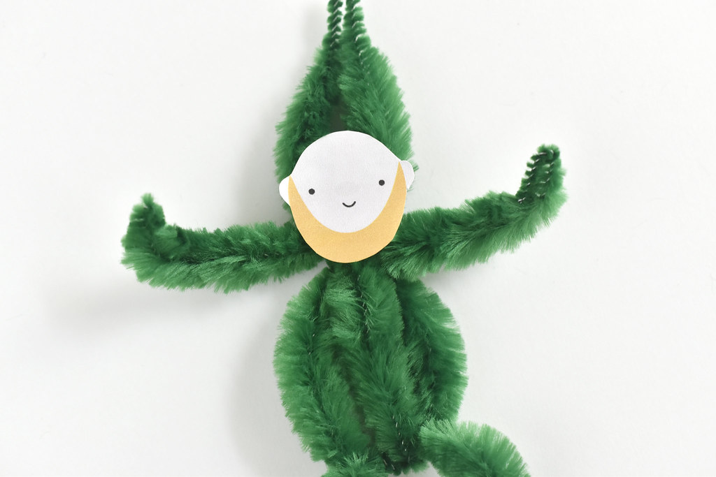 Pipe Cleaner Leprechauns