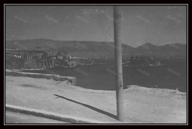 Πειραιάς, Γερμανική Κατοχή, 1941-1944. Παραλία Καστέλλας.