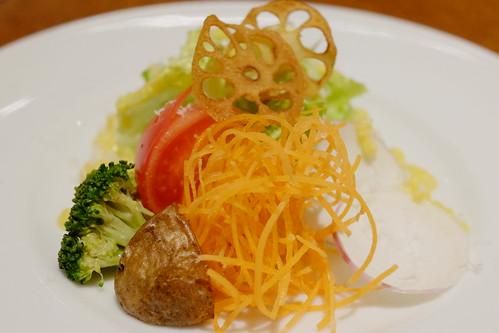 産直有機野菜のサラダ