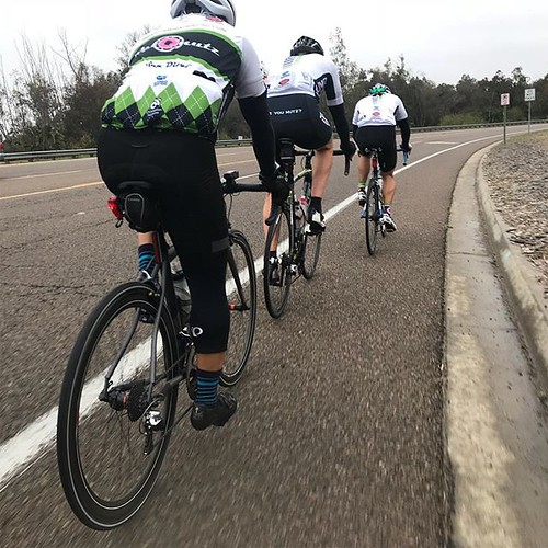 VeloNutz Saturday. Small group in light rain as many rest before races Sunday.