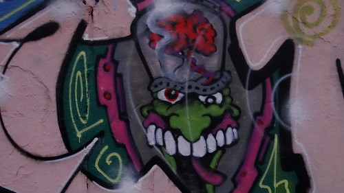 Graffiti das Fleisch von den Knochen schneiden zum Trennen von Haut und Filet mit diesem Messer könnt Ihr super präzise schneiden 0522