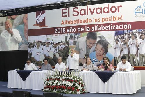 Casa Abierta: El Salvador Alfabetizado es posible