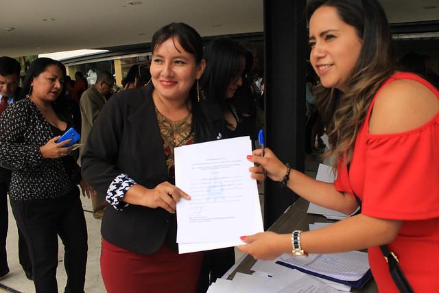 Entrega de Certificados de Capacitación Docente en Cuenca
