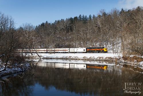 passengertrain trees reflection cvsr 6777 fpa4 river snow train independence ohio unitedstates us