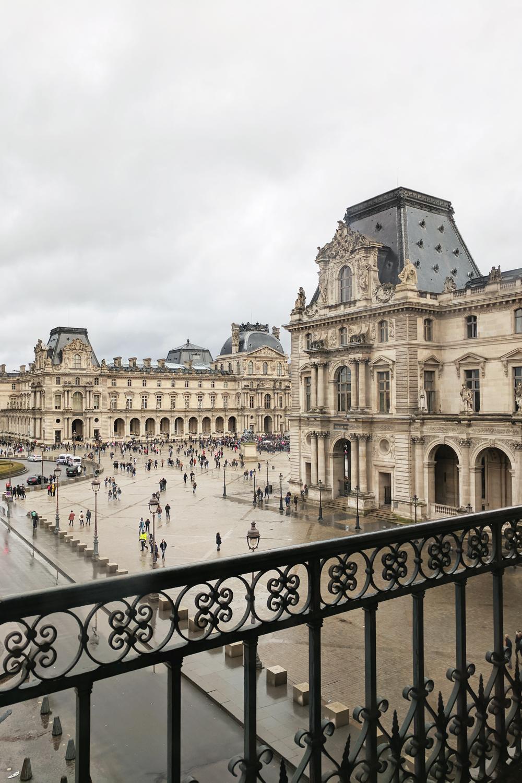 09paris-louvre-travel-architecture