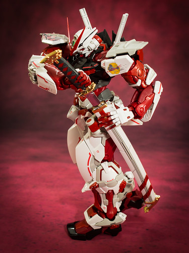 HiRM_Astray_Red_Frame_23