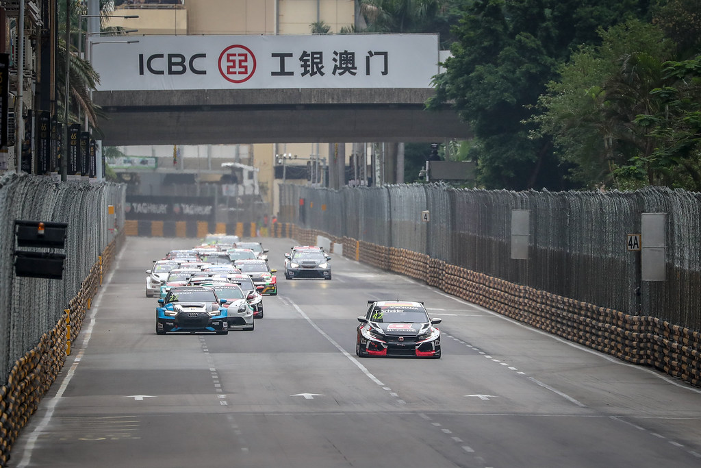 Start of Race 2 during the 2018 FIA WTCR World Touring Car cup of Macau, Circuito da Guia, from november  15 to 18 - Photo Alexandre Guillaumot / DPPI
