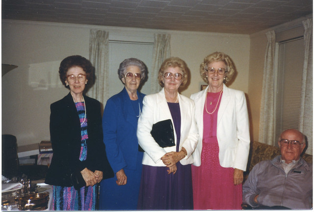 1987 12 Taylor sisters and HDTSr