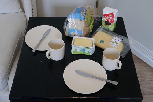 Frühstückstisch mit Produkten von Albert Heijn