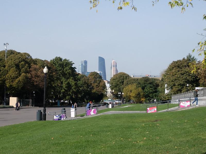 Москва - Парк Горького - Вид на Москва-Сити