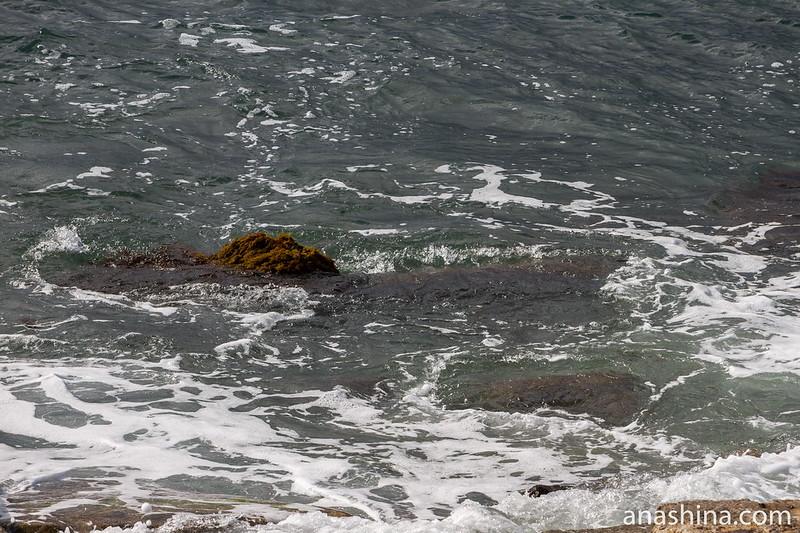 Камень в воде, Черное море