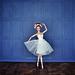 Nueva pared para diorama: azul y madera