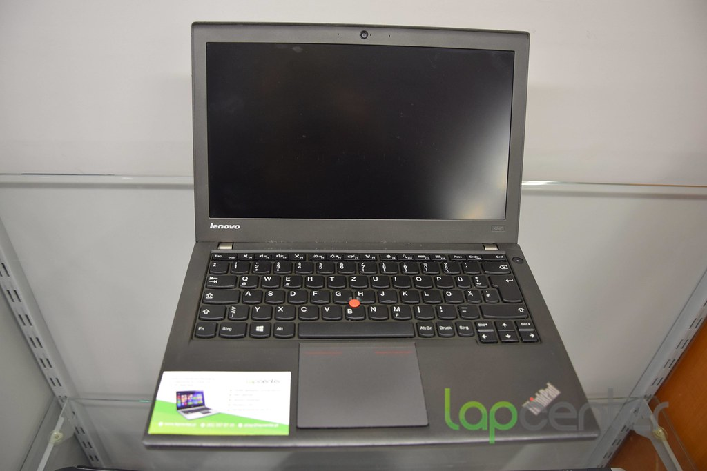 LENOVO THINKPAD X240 i5-4300U 4GB RAM 320 GB HDD WIN10PRO