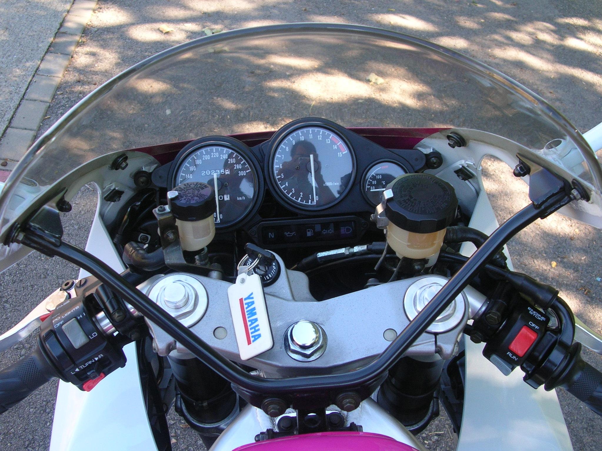 Vendo Yamaha YZF 750R 46962066522_424abaf02b_k