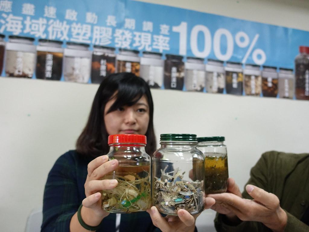 黑潮在2018年5月展開「導航計畫」,繞行台灣沿海與調查海漂垃圾、收集海水樣本。賴品瑀攝。