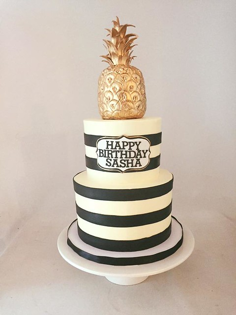 Cake by Le Dolci Cupcakes and Cakes