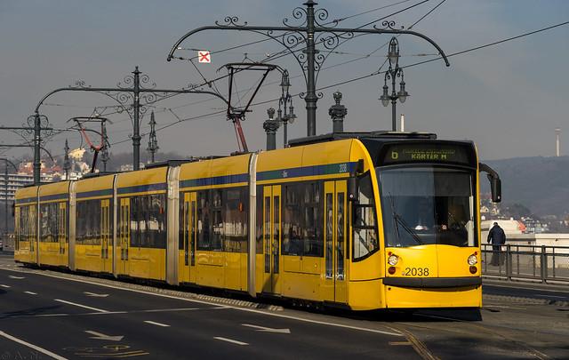 Budapest tramway: Combino # 2038
