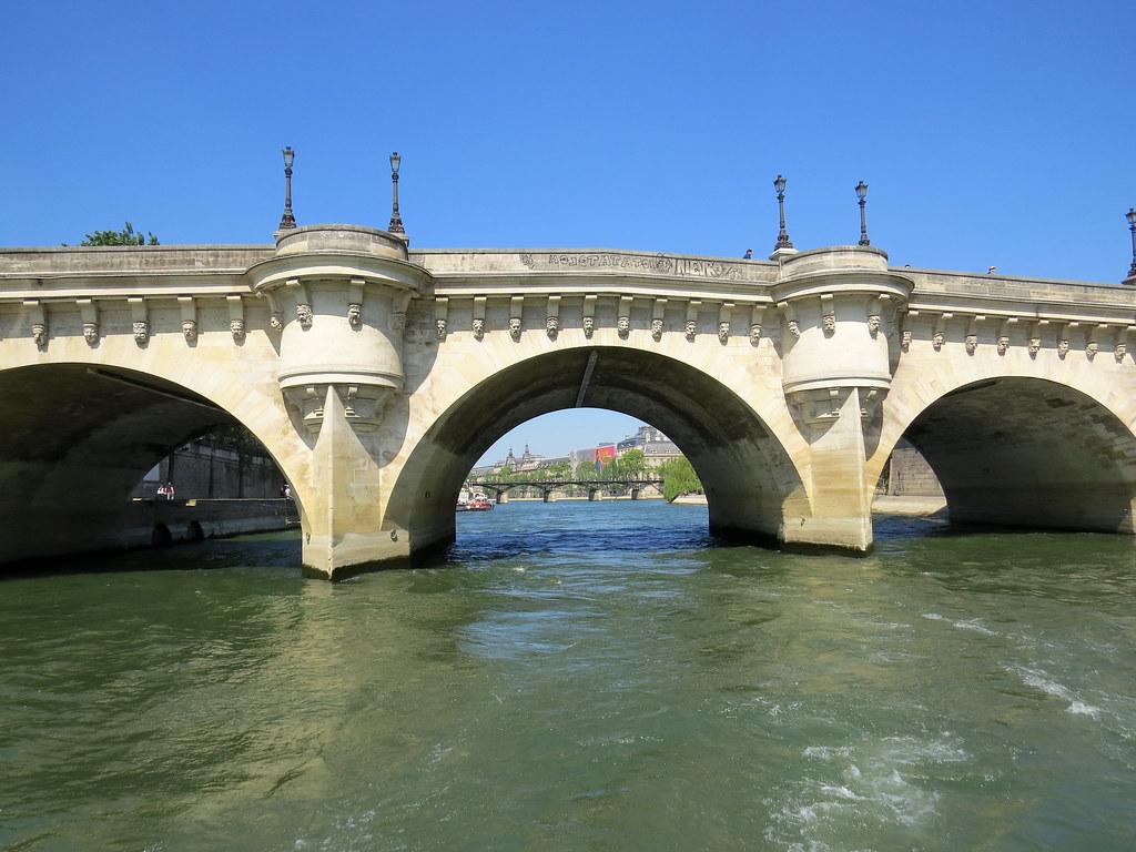 Новый мост  Пон-Нёф