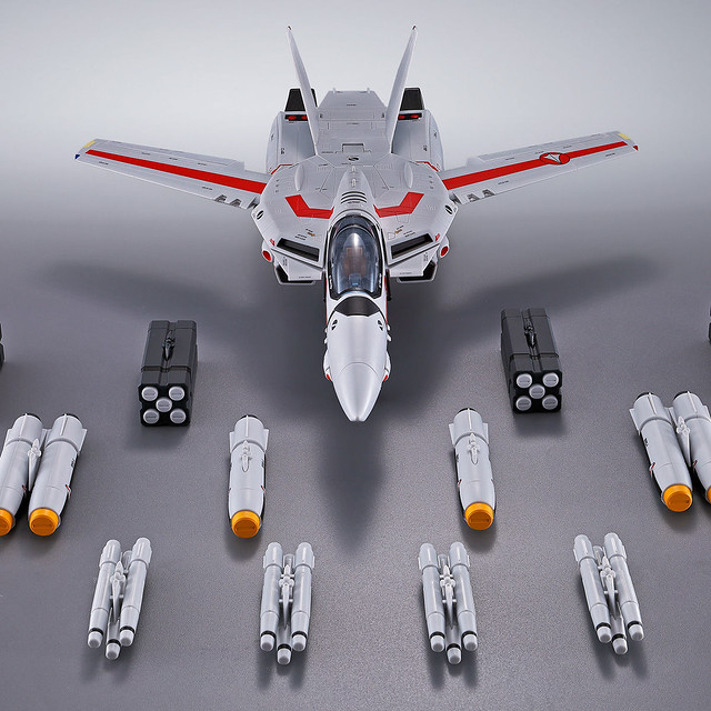 添加攻擊的火力!DX超合金 《超時空要塞》「VF-1武神機 對應用武裝導彈配件組」!VF-1対応ミサイルセット