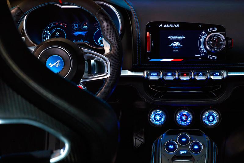 75558_2016_-_Alpine_Vision_Show-car