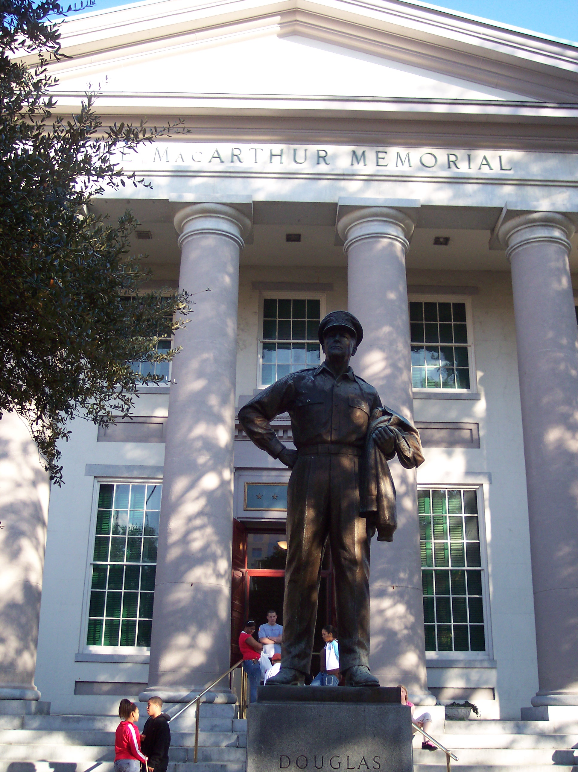 Douglas MacArthur Memorial in Norfolk, Virginia. The statue is a duplicate of the one at West Point. The base houses a time capsule which contains various MacArthur, Norfolk and MacArthur Foundation memorabilia. Photo taken on November 2, 2005.
